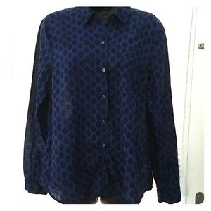 Old Navy Classic long sleeve button up shirt